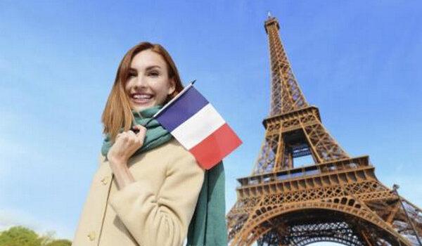 Có nên đi du học Pháp bằng tiếng Anh với chi phí thấp?