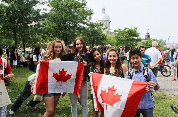 Nhập học của Canada vào thời gian nào?