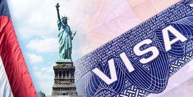 Mỹ đang xem xét việc giới hạn visa 2 năm của các du học sinh
