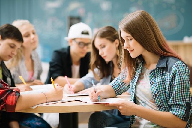 Tiếng Anh đi du học cần chứng chỉ nào? Cần chuẩn bị gì?